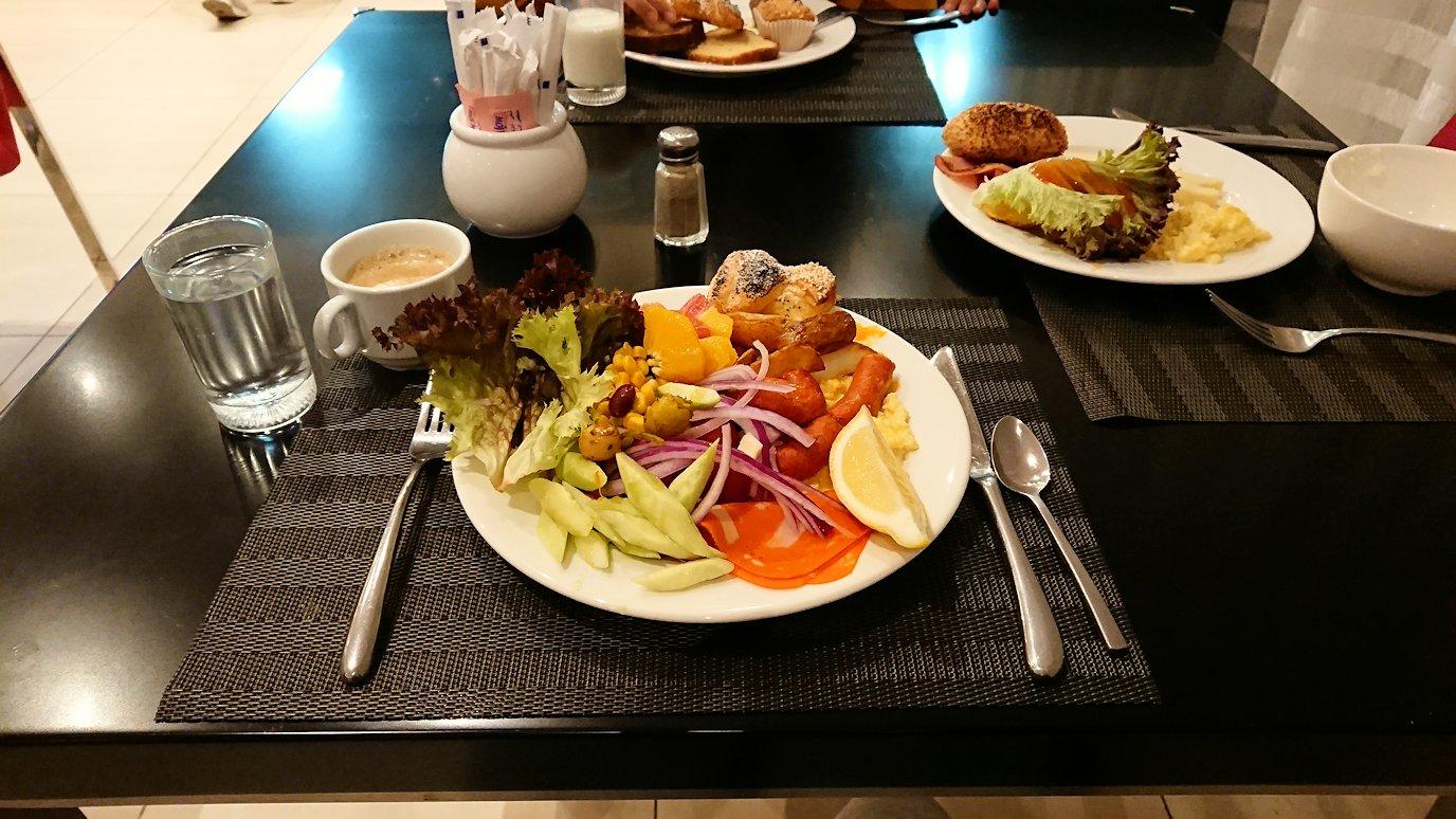 マラケシュのアダムパークホテルにて朝食バイキングで朝食を食べますよ2