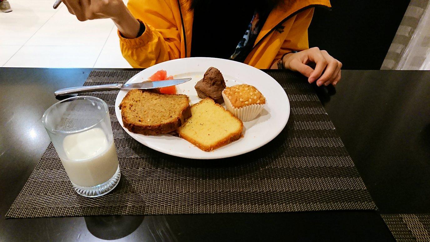 マラケシュのアダムパークホテルにて朝食バイキングで朝食を食べますよ3