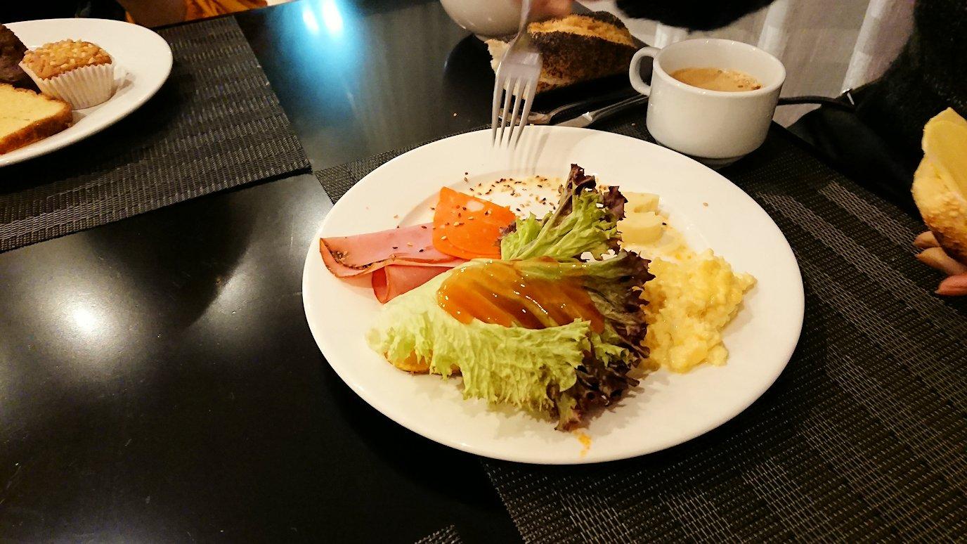 マラケシュのアダムパークホテルにて朝食バイキングで朝食を食べますよ4