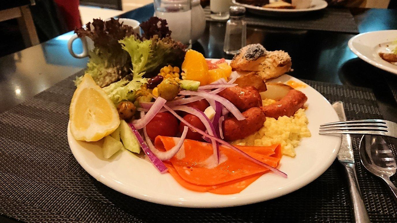マラケシュのアダムパークホテルにて朝食バイキングで朝食を食べますよ5