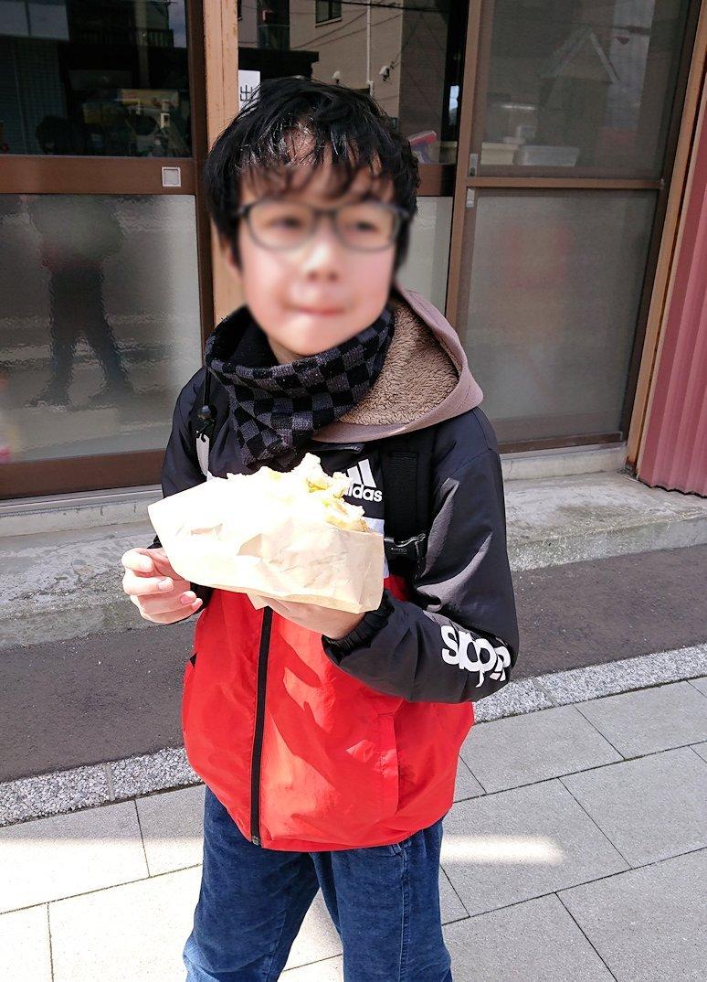 函館市内で人気のスイーツ店「アンジェリック ヴォヤージュ」を訪問しマンゴークレープを食べる6