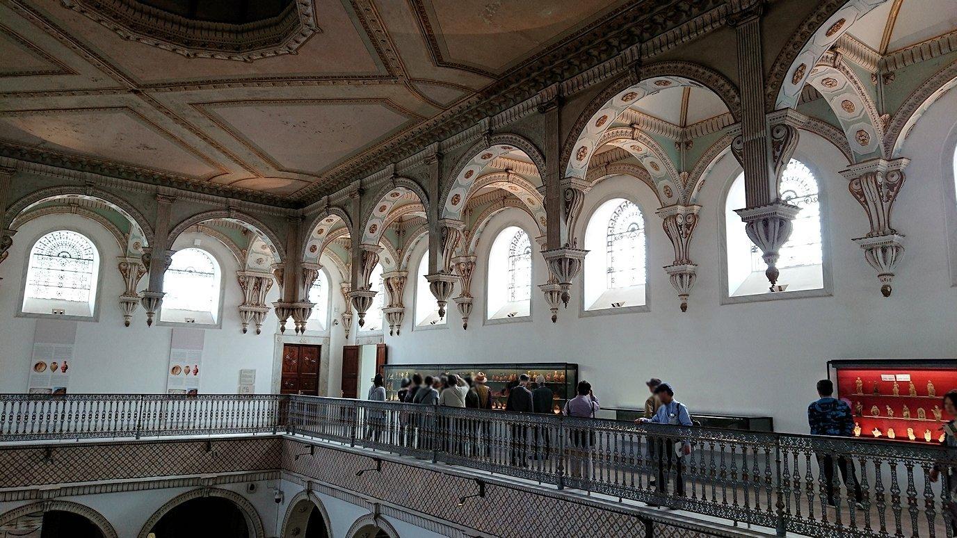 チュニスのバルドー博物館で2階も見所たっぷりで見学する様子1
