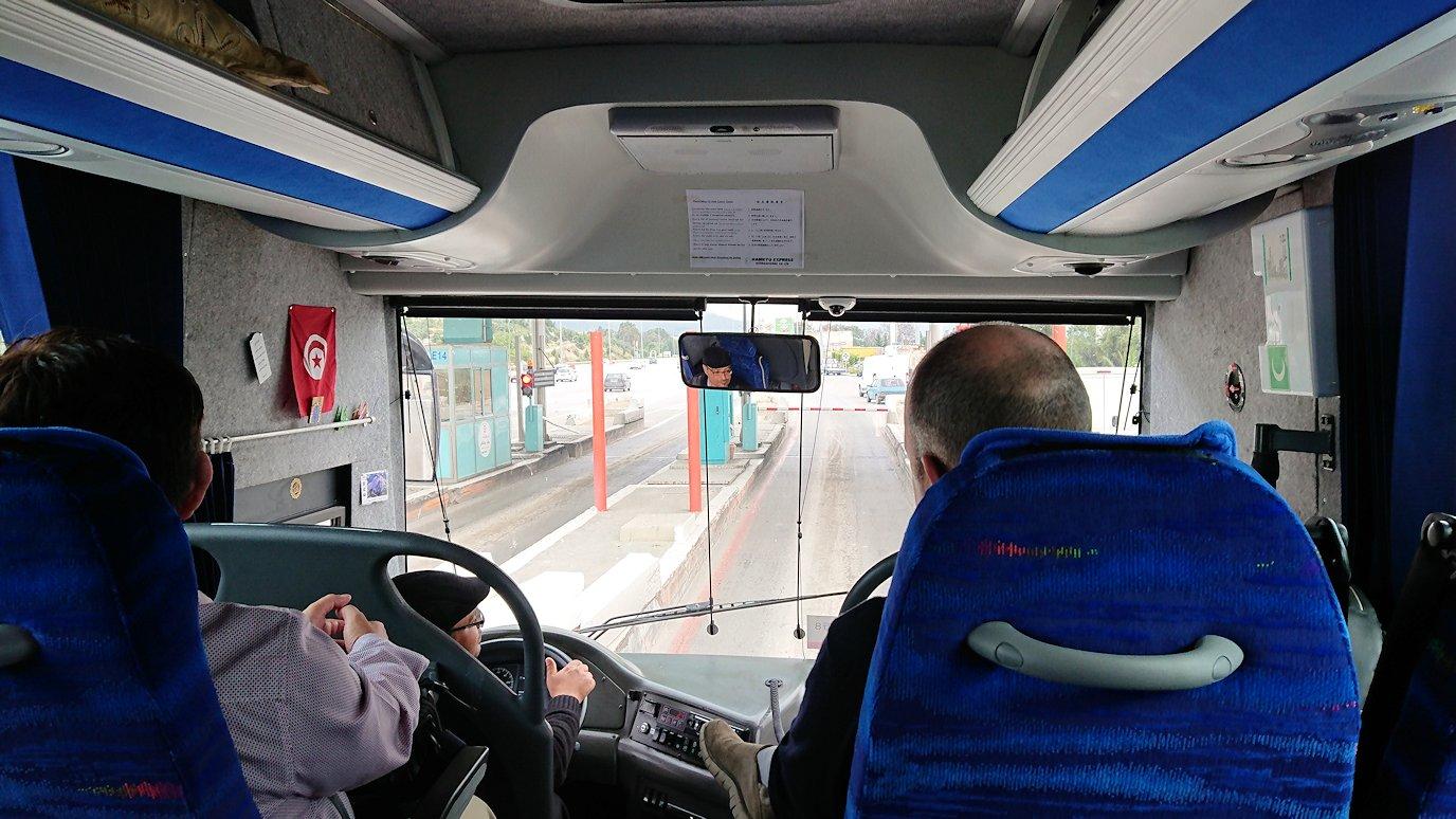チュニスのバルドー博物館を後にしてホテルに向かう途中の景色3