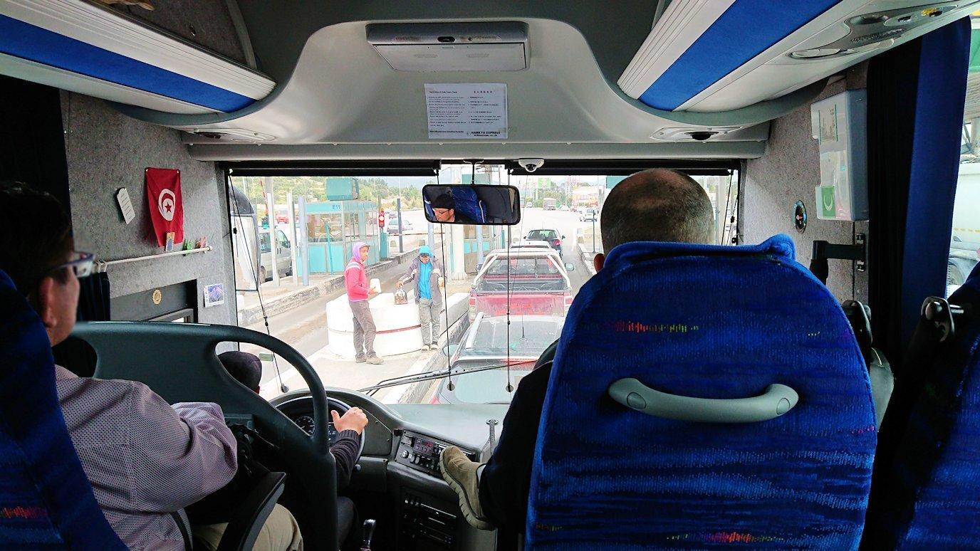 チュニスのバルドー博物館を後にしてホテルに向かう途中の景色6