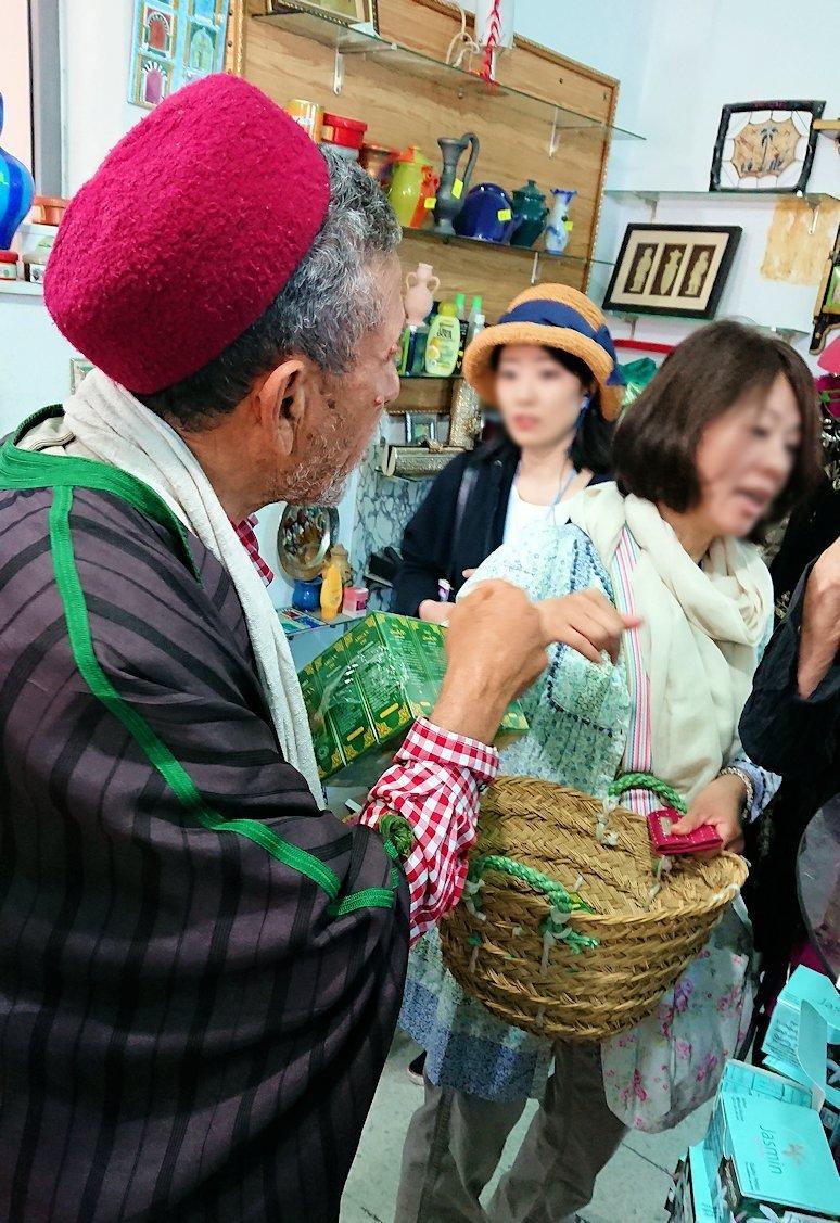 チュニジアのホテル:コンチネンタル(CONTINENTAL)を出て向かいの貯水池を見学しお土産を購入3