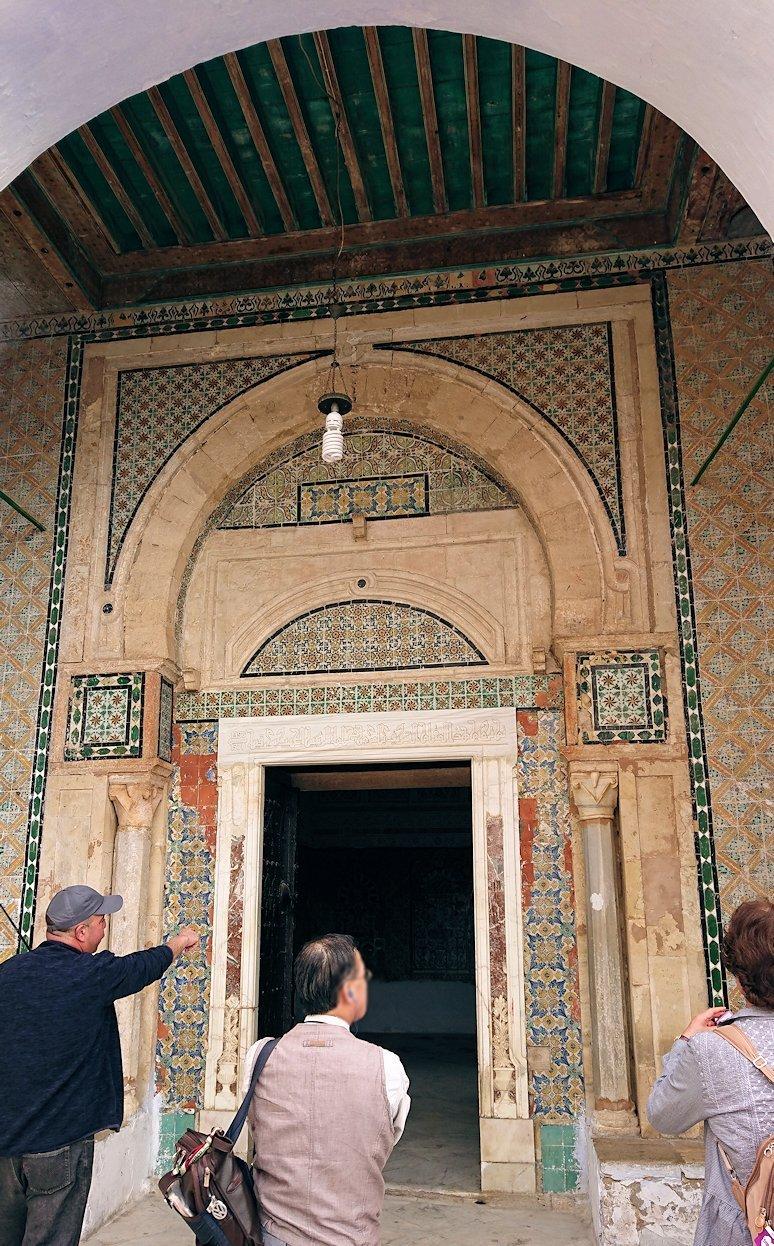 ケロアンのシディ・サハブ霊廟に入ります2