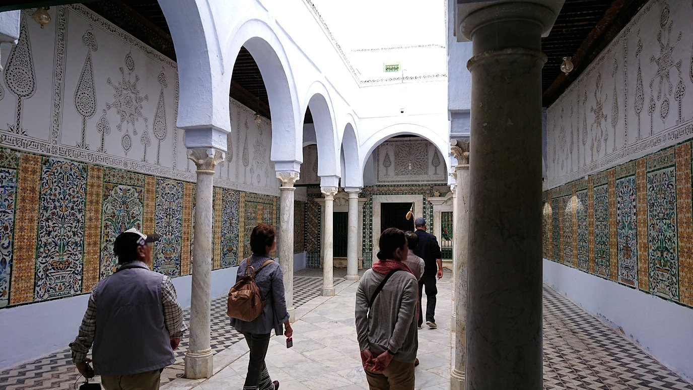 ケロアンのシディ・サハブ霊廟に入ります9