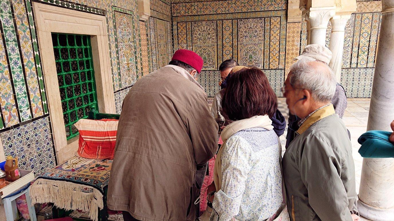 ケロアンのシディ・サハブ霊廟のお墓の中は?4