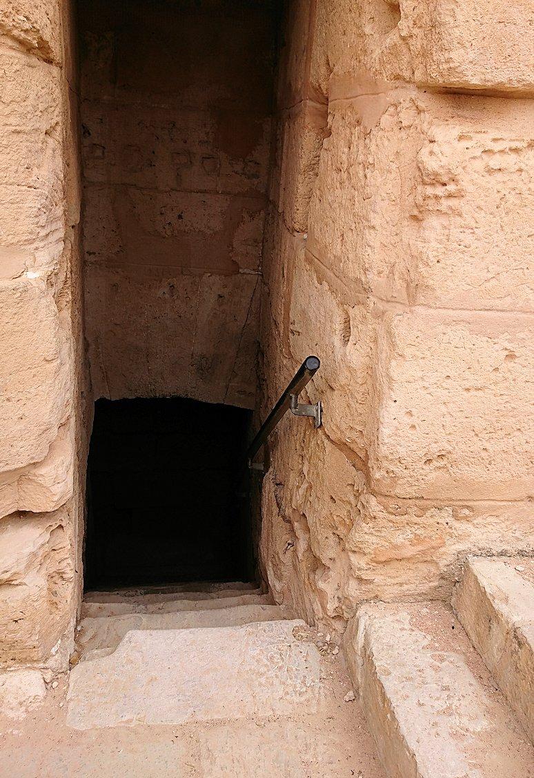 エルジェムの円形闘技場の正面玄関から入場し見えた内部の様子2
