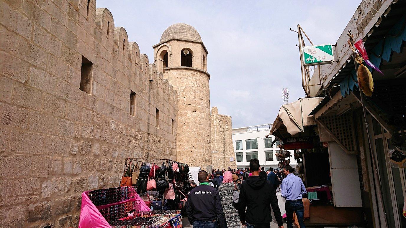 チュニジアのスースの街の旧市街を歩いて一周して見かけたものは1