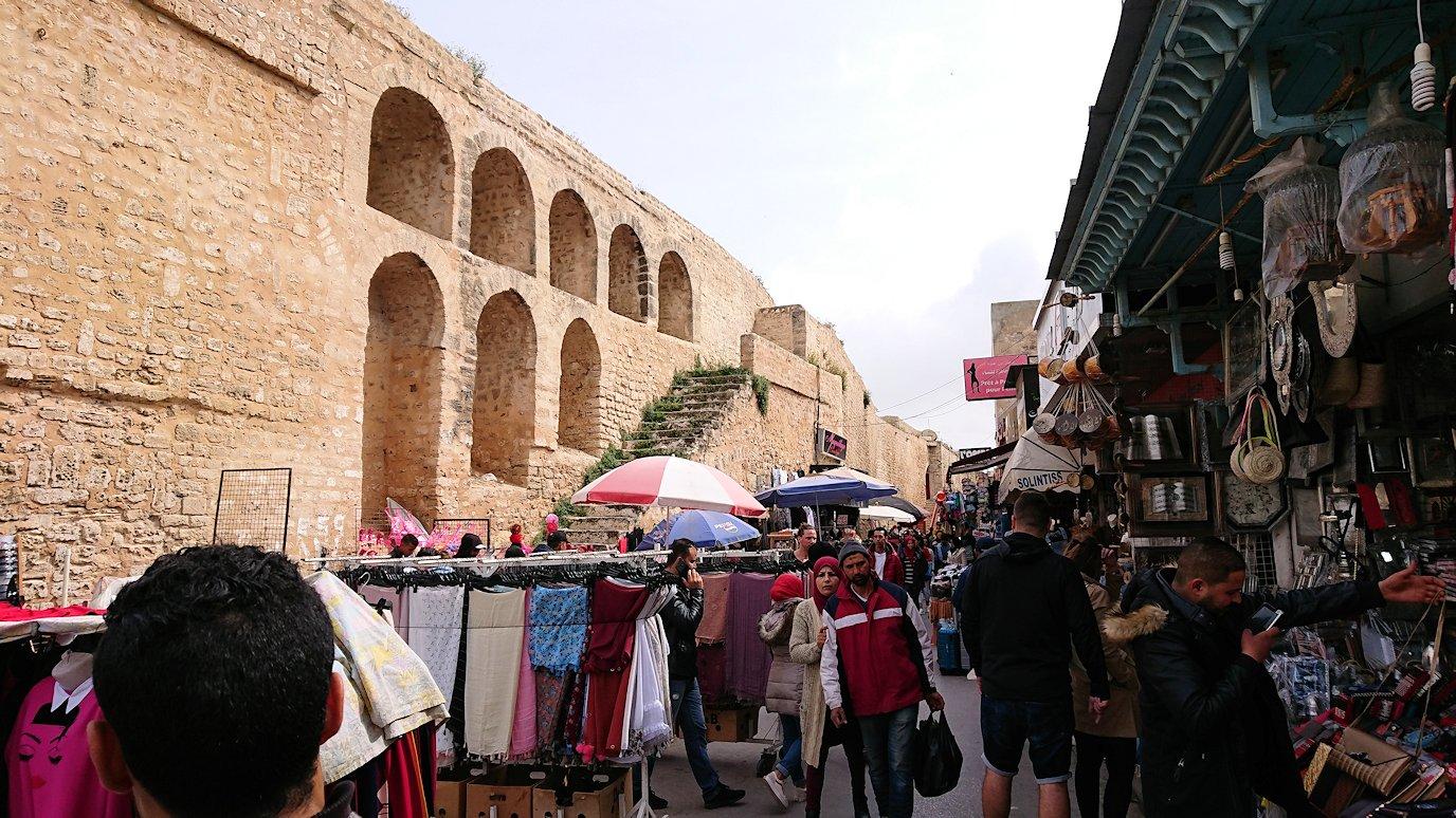 チュニジアのスースの街の旧市街を歩いて一周して見かけたものは6