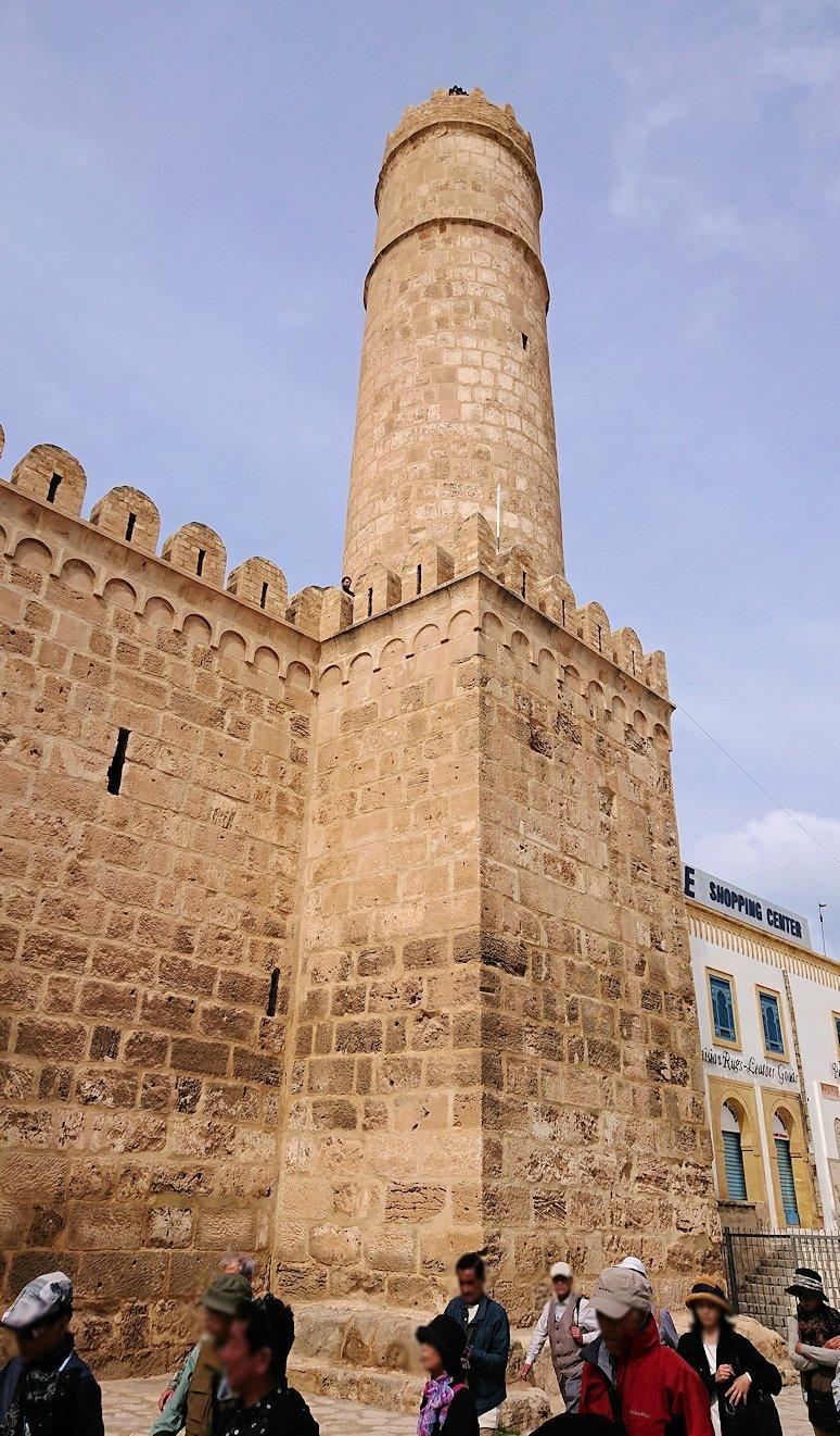 チュニジアのスースの街の旧市街で自由時間にラバトへ向かう2