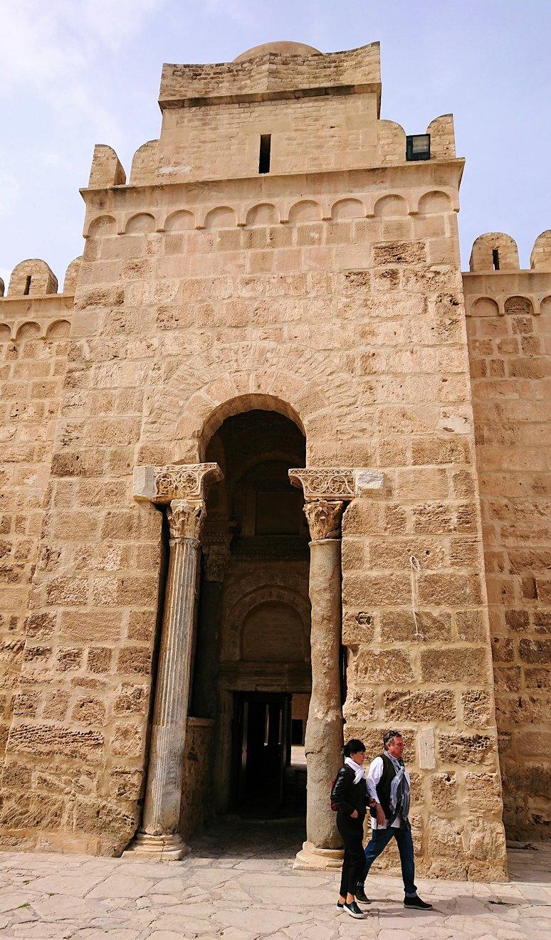 チュニジアのスースの街の旧市街で自由時間にラバトへ向かう3