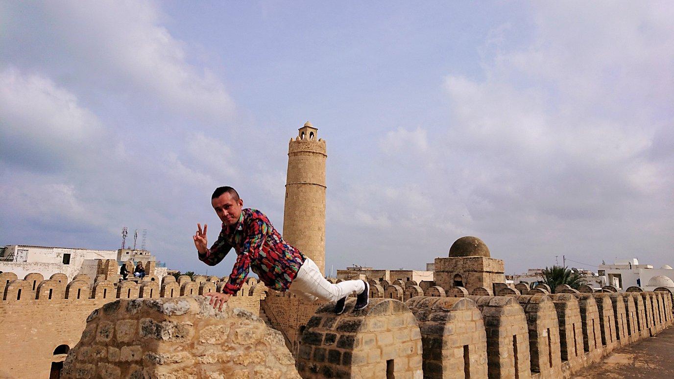 チュニジアのスースの街の旧市街で自由時間にリバトの様子2