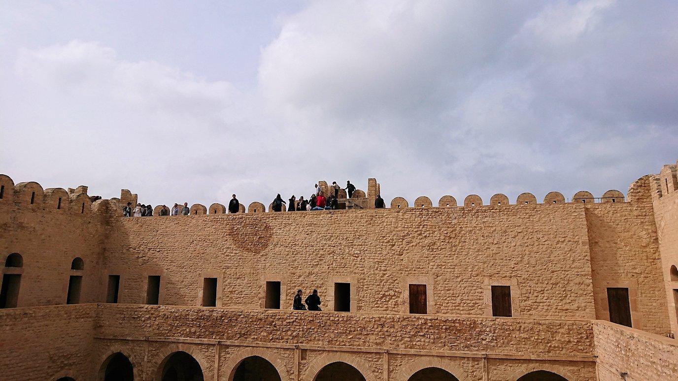 チュニジアのスースの街の旧市街で自由時間にリバトの様子5