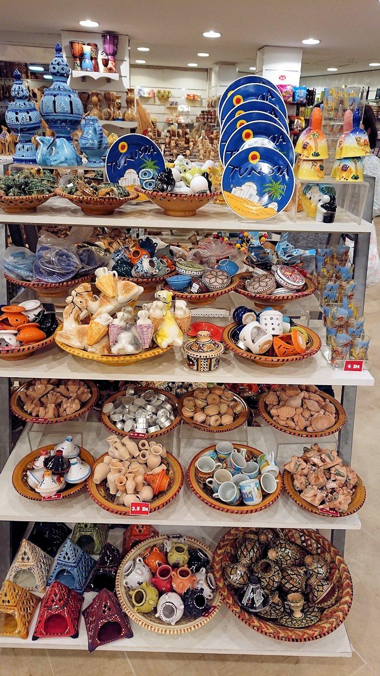 チュニジアのスースの旧市街を散策し、お土産専門店お土産専門店のショッピングセンターの中の様子8