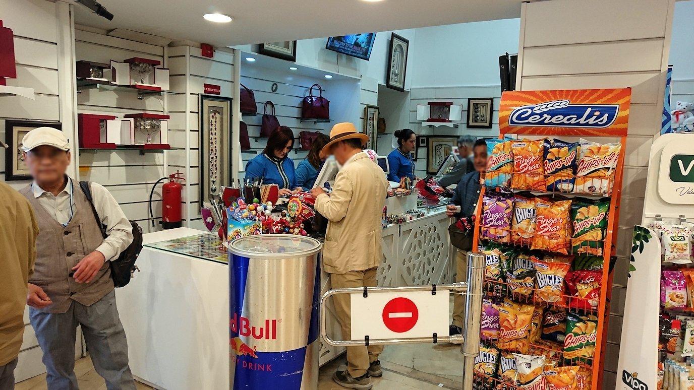 チュニジアのスースの旧市街を散策し、お土産専門店お土産専門店のショッピングセンターの中を散策3