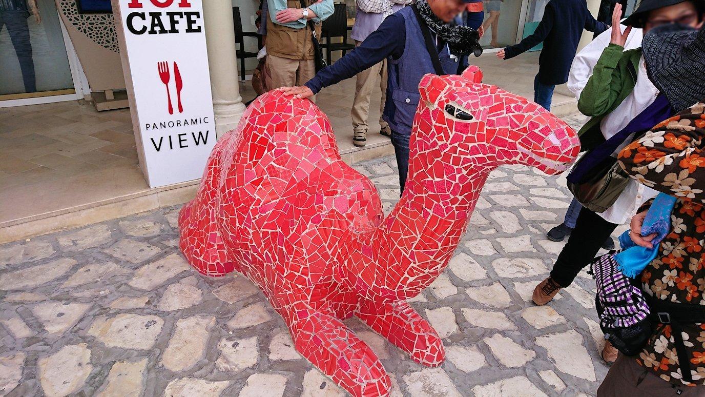 チュニジアのスースの旧市街を散策し、お土産専門店お土産専門店のショッピングセンターの中を散策4