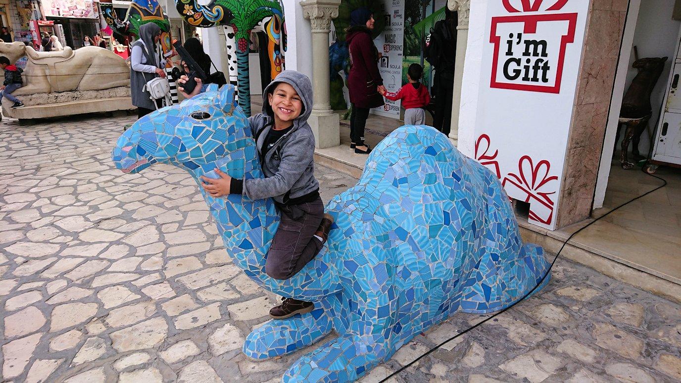 チュニジアのスースの旧市街を散策し、お土産専門店お土産専門店のショッピングセンターの中を散策5