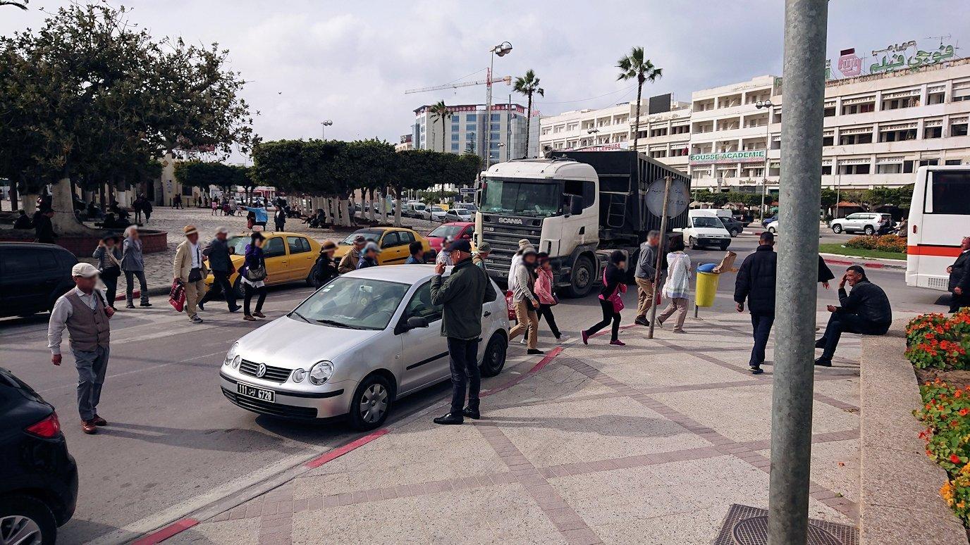 チュニジアのスースからポートエルカンタウィに移動