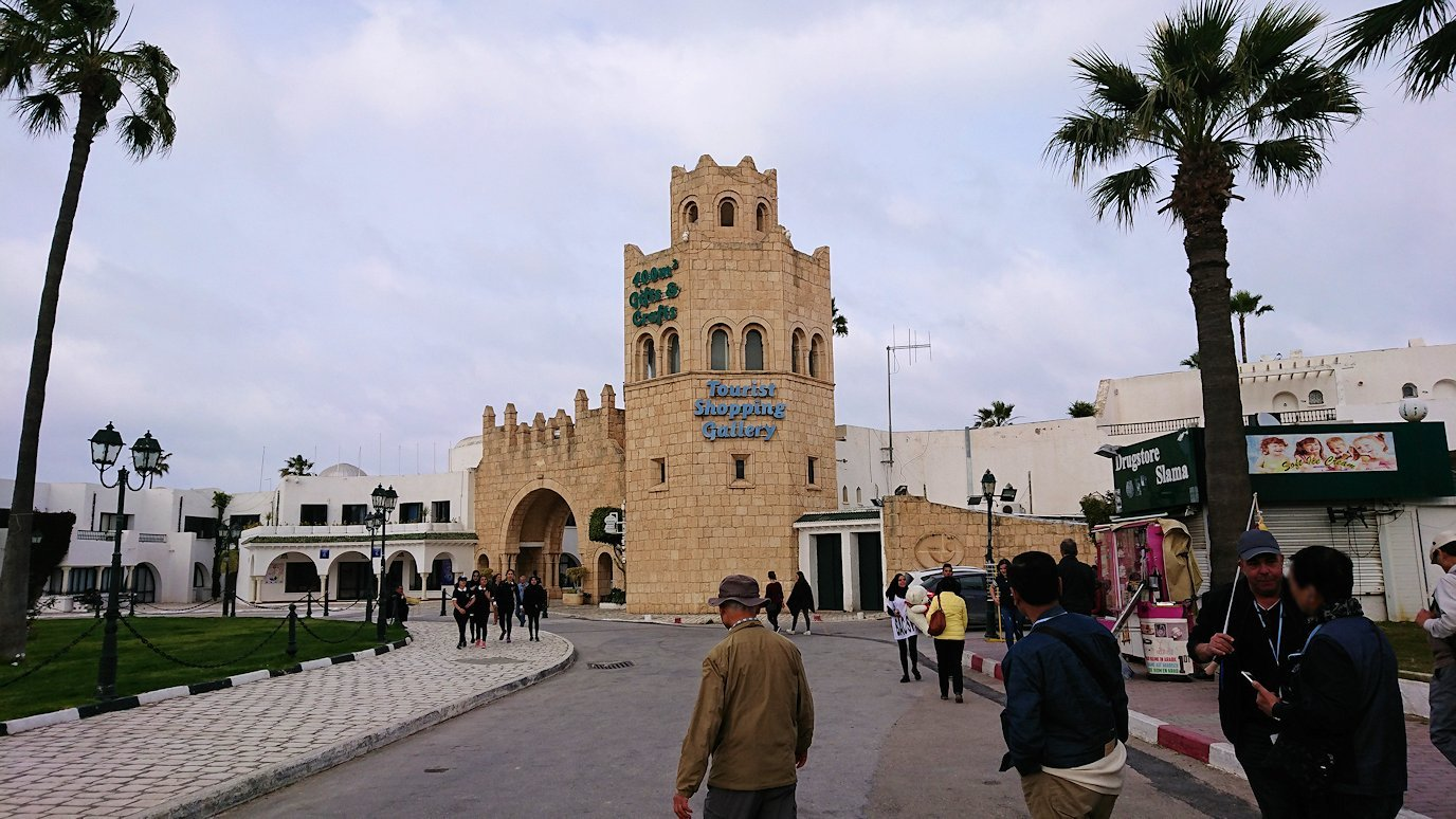 チュニジアのポートエルカンタウィに到着9