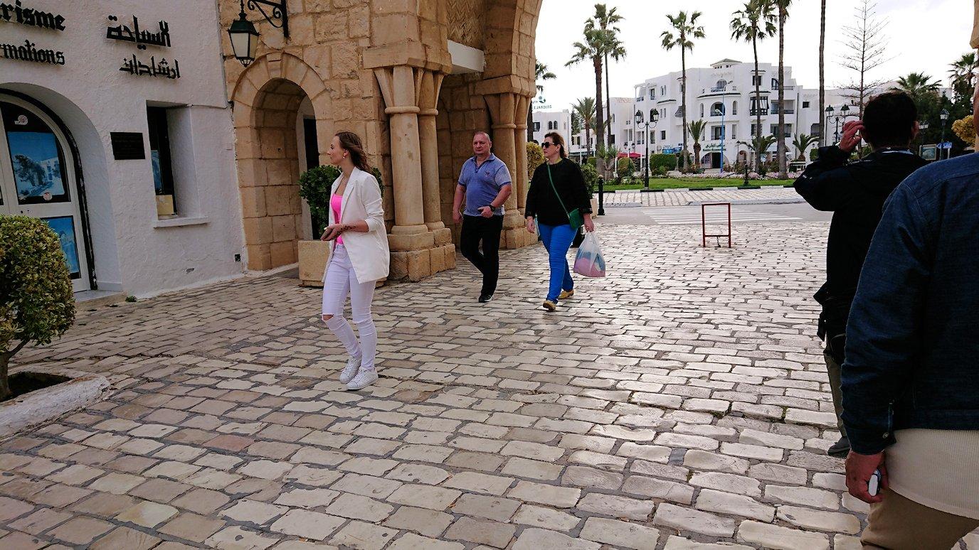 チュニジアのポートエルカンタウィのマリーナ付近を散策4