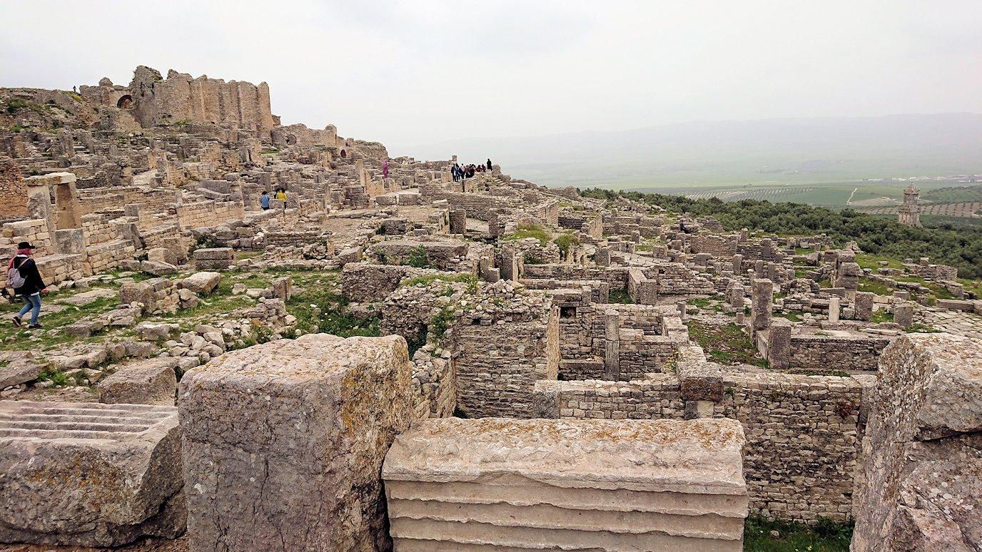 チュニジアのドゥッガ遺跡で有名なフレームがある奴隷市場にて8