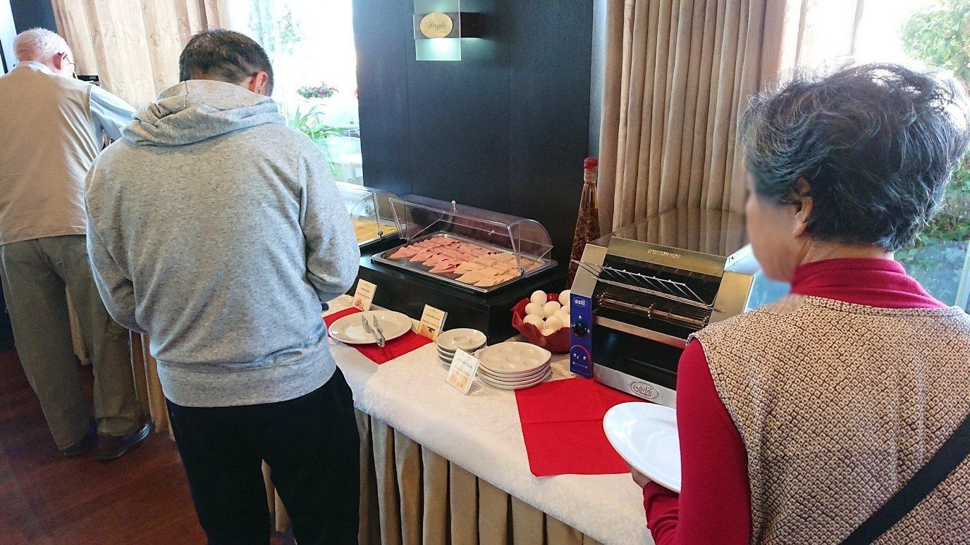 アルバニアで首都ティラナのホテルで迎えた朝食8