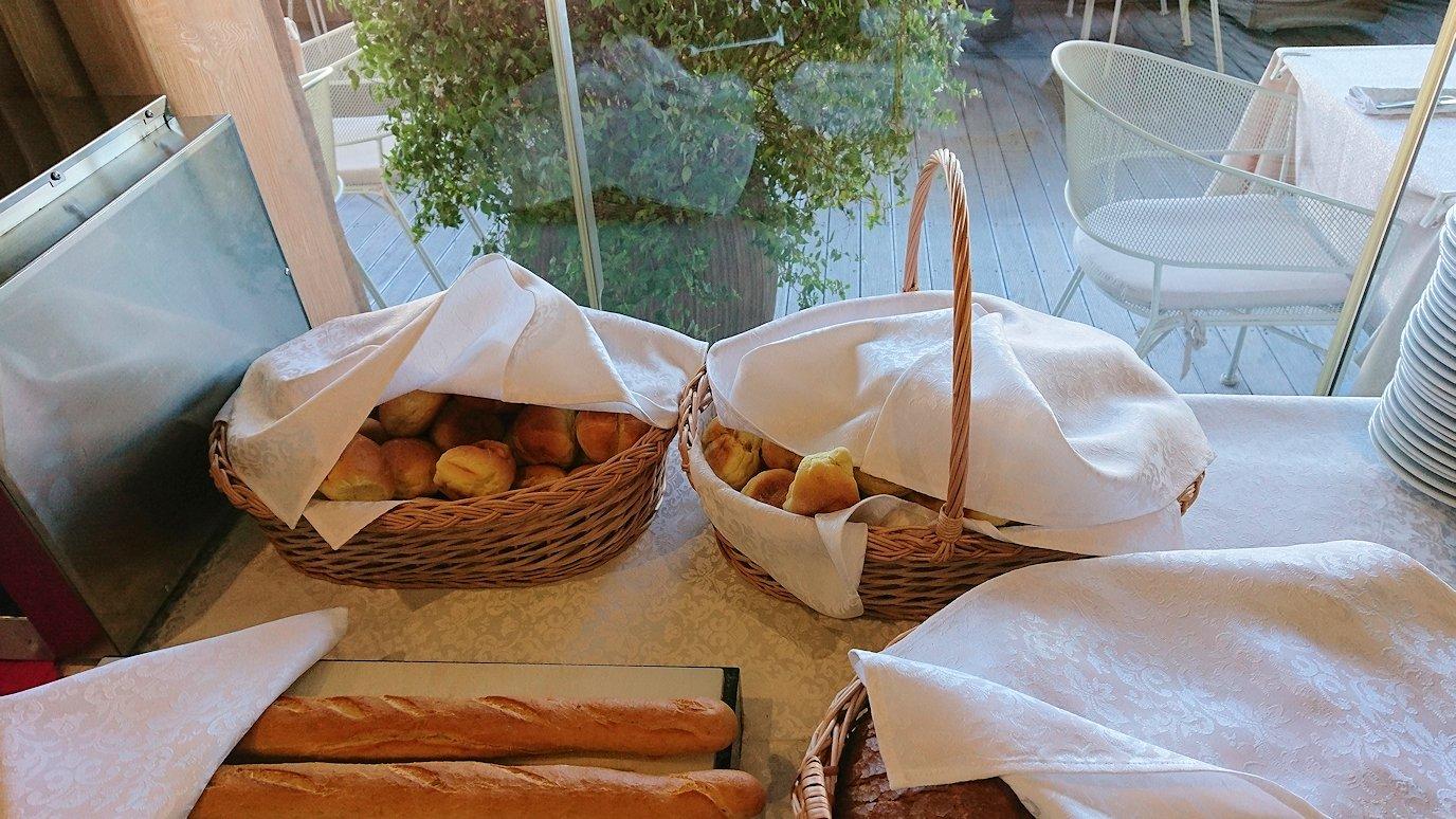 アルバニアで首都ティラナのホテルで迎えた朝食9