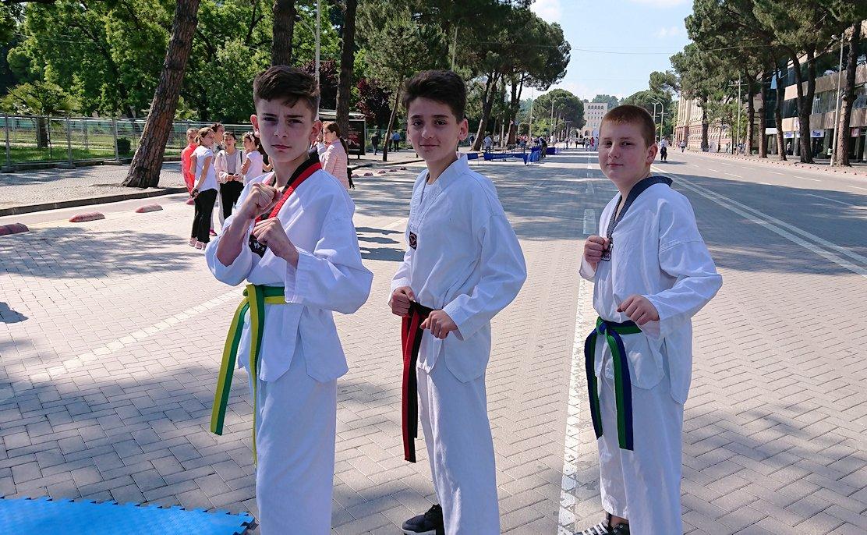 アルバニアで首都ティラナで子供の日イベント通りでみたもの4