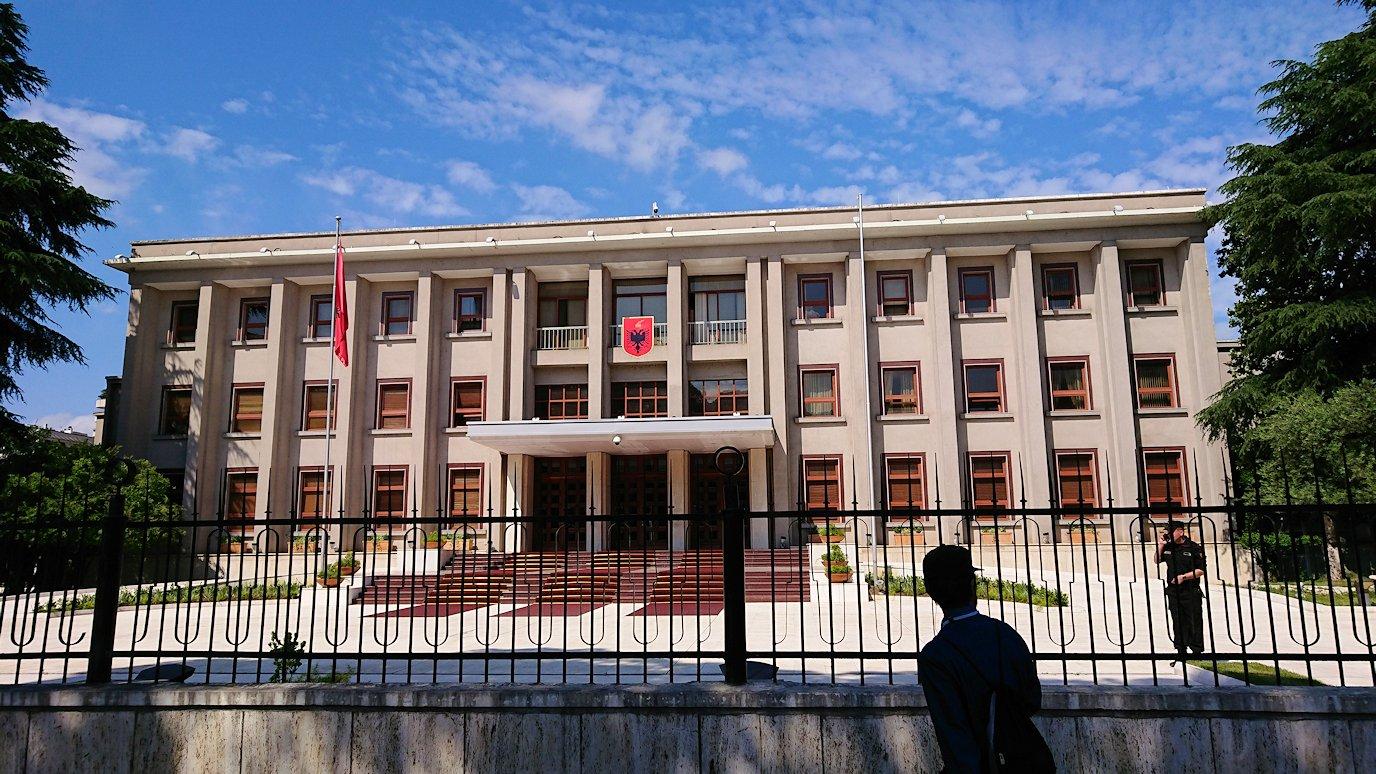 アルバニアで首都ティラナで子供の日イベント通りで遊ぶ6