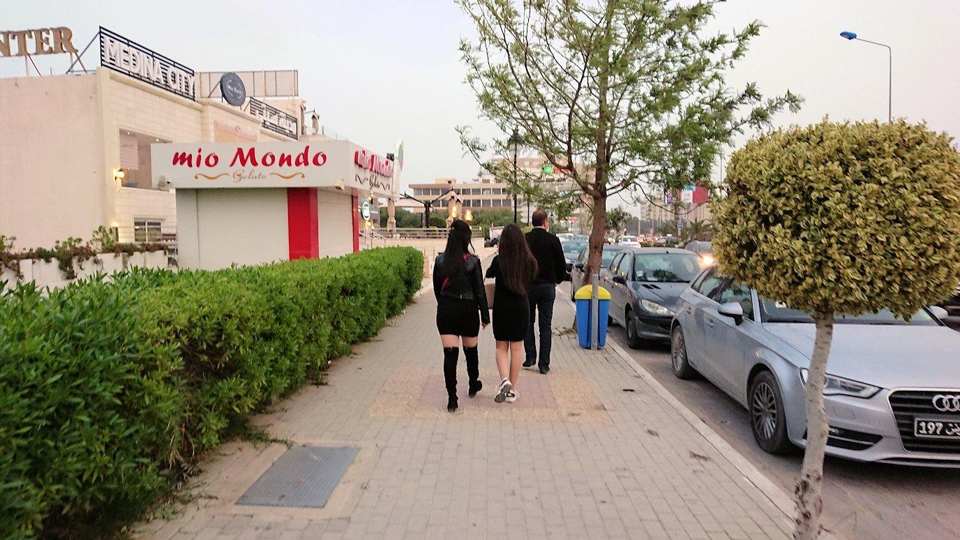 スースの街に到着し、ホテル周辺を散策しスーパーマーケットを訪れる6