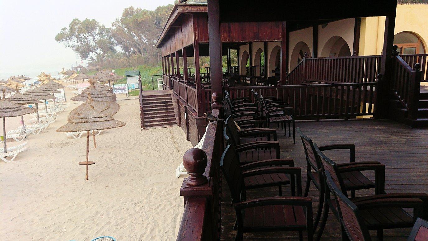 チュニジア:スースのホテルの砂浜で朝日を・・・8