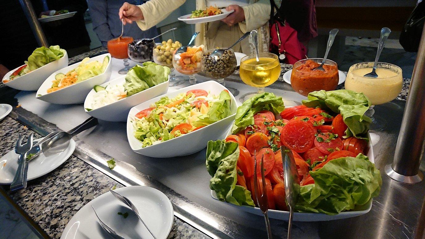 チュニジア:スースのホテルで朝食を