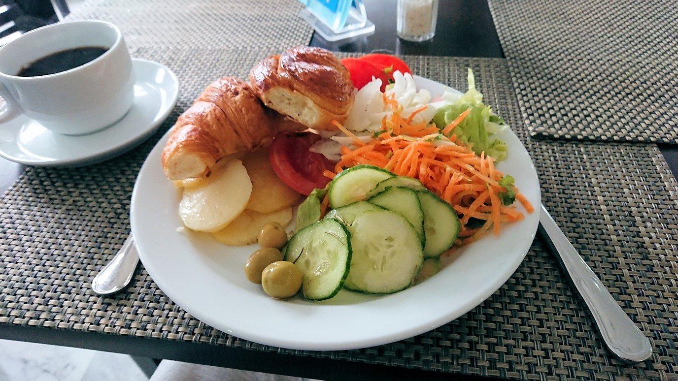 チュニジア:スースのホテルで朝食を3