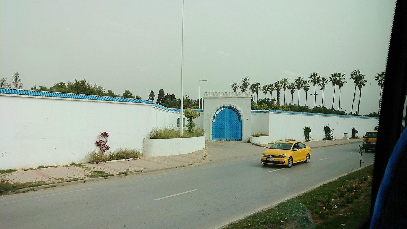 チュニジア:スースからナブールの街まで移動する途中の景色7