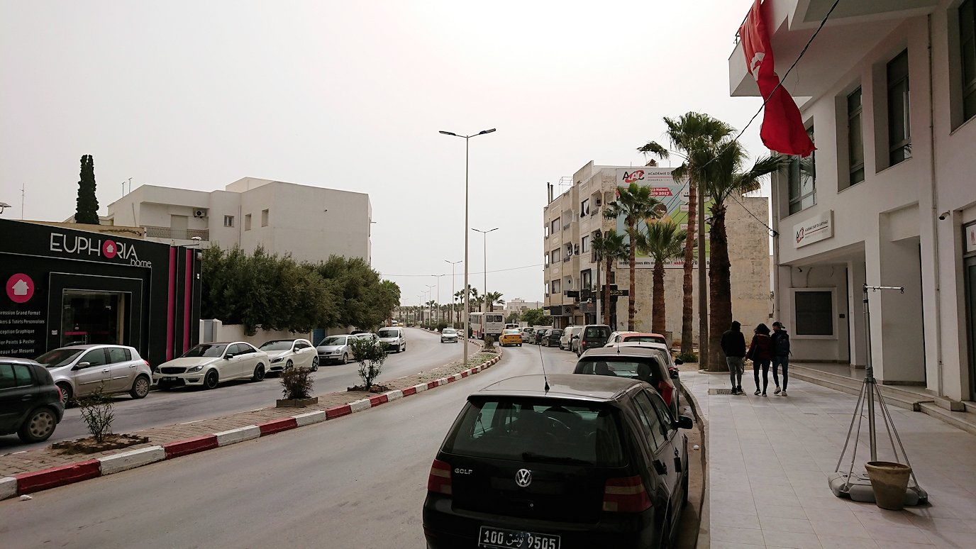 チュニジア:ナブールの街の陶器屋さんから中心街へ移動