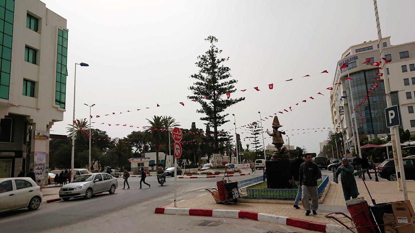 チュニジア:ナブールの街の陶器屋さんから中心街へ移動9