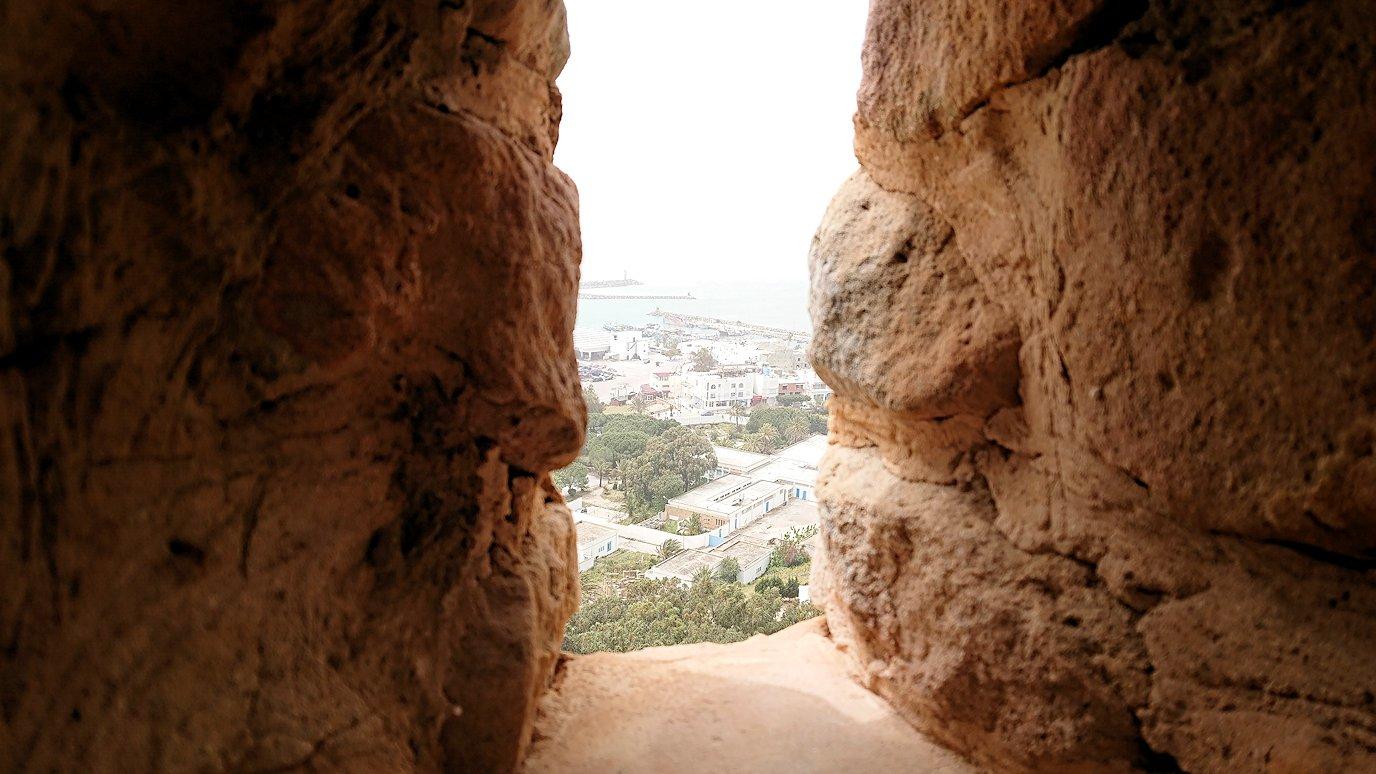 チュニジア:ケリビアの城塞内の様子は1