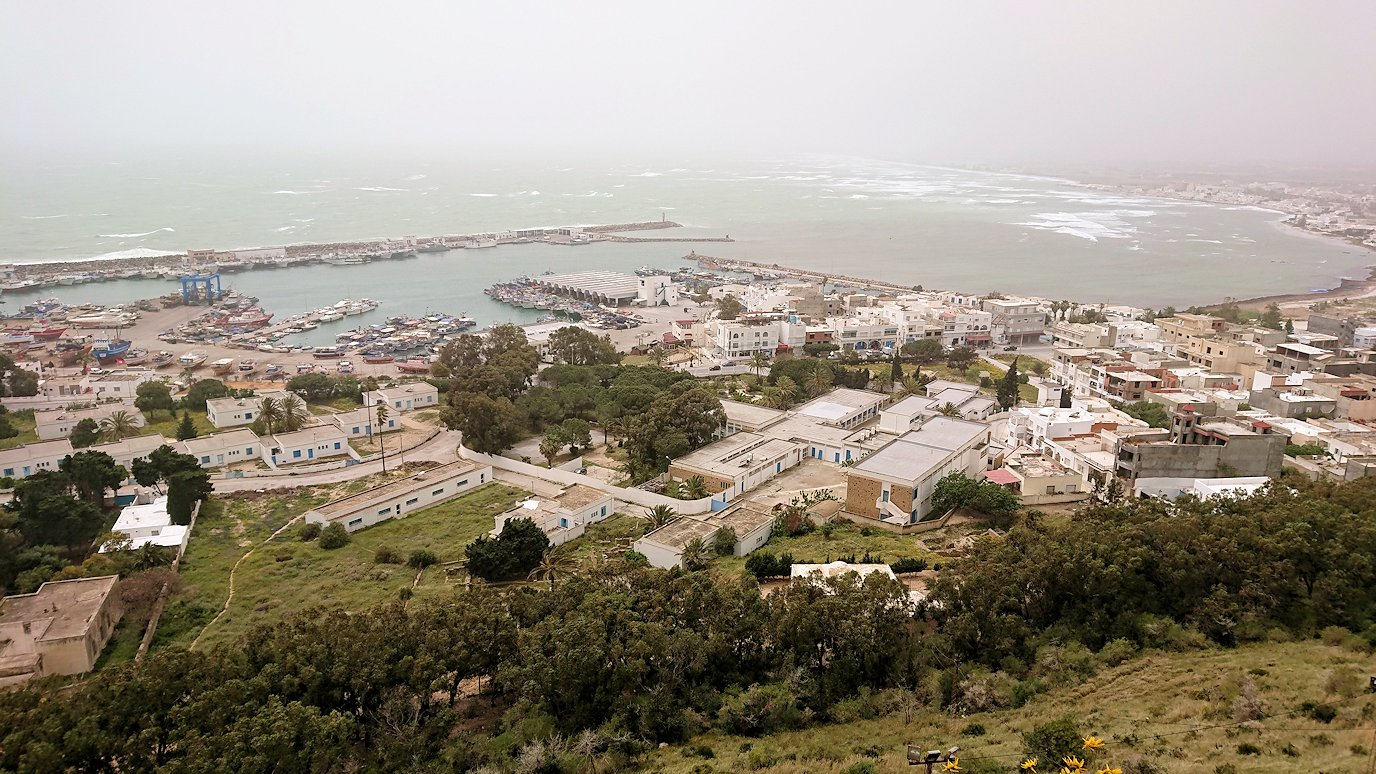 チュニジア:ケリビアの城塞内の様子は4