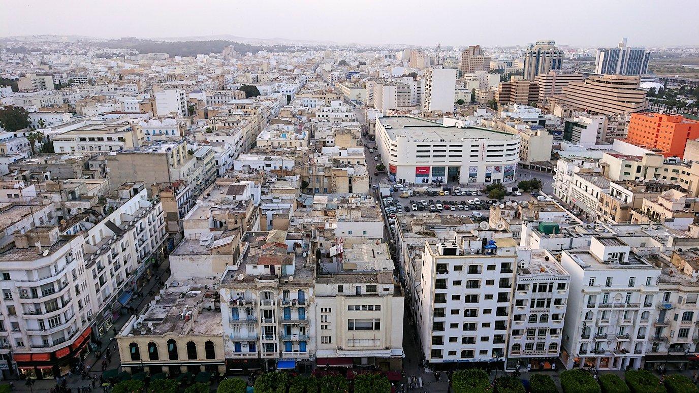 チュニジアのチュニスにあるエルムラディ・アフリカ・ホテルの部屋に入る4