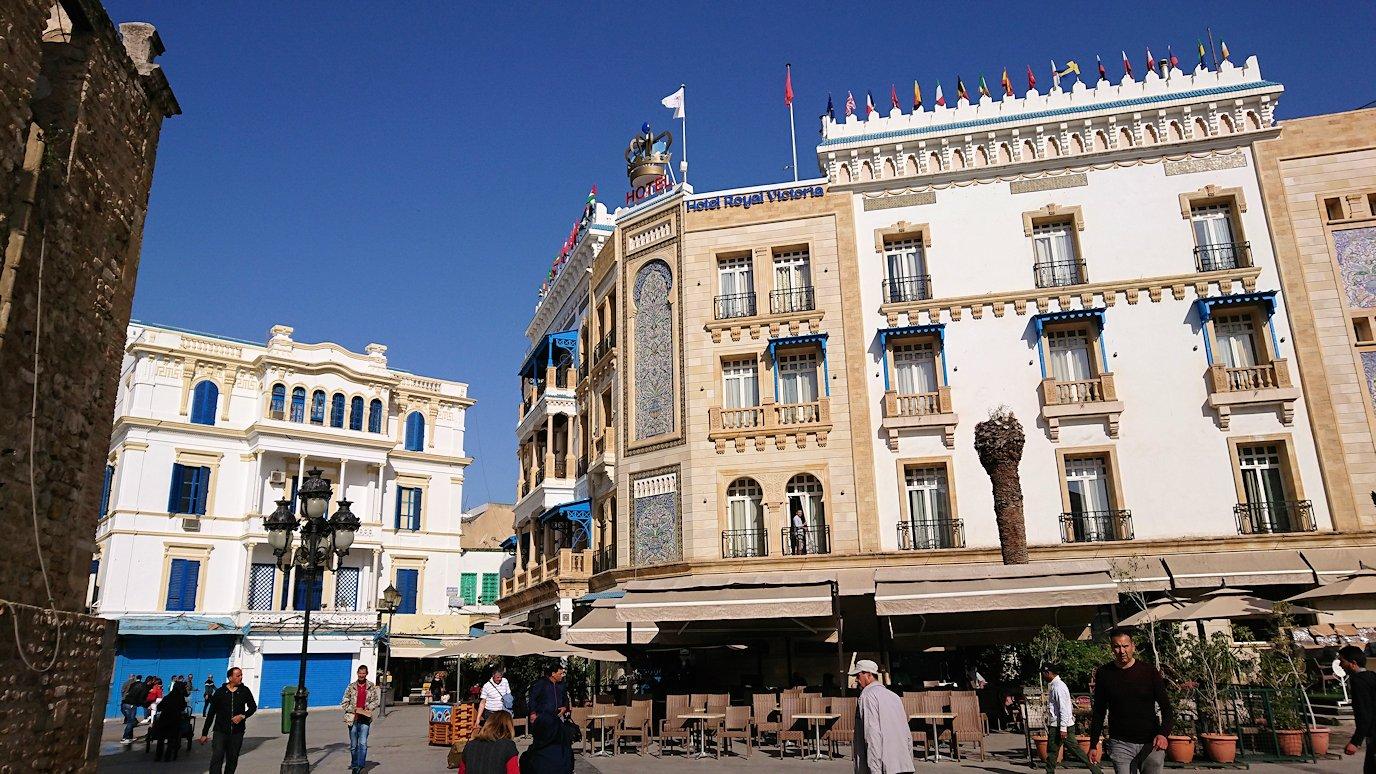 チュニジア:チュニスのメディナの入口にて4