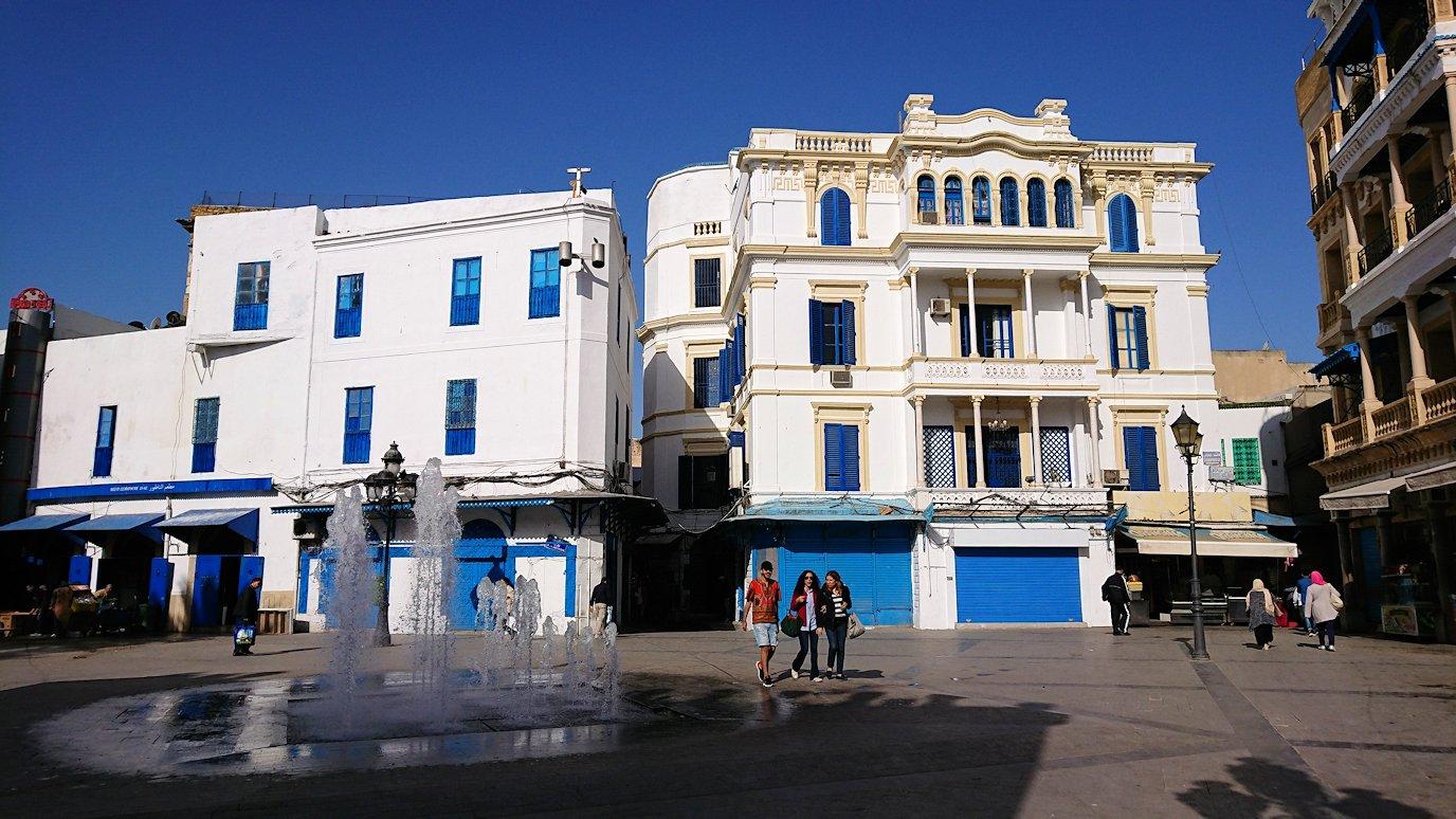 チュニジア:チュニスのメディナの入口にて5