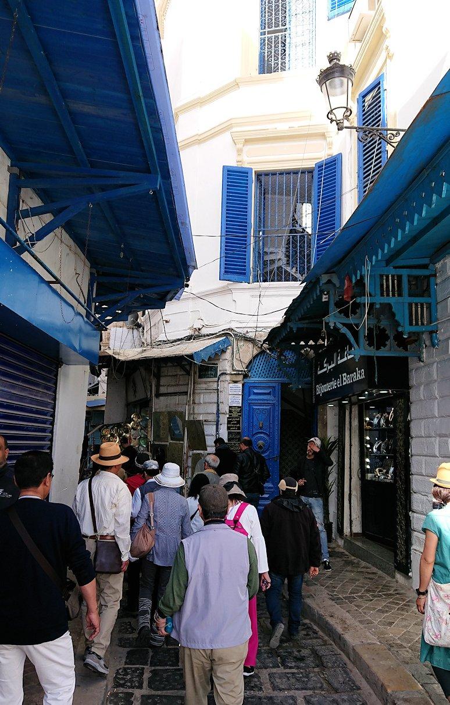 チュニジア:チュニスのメディナに入っていく
