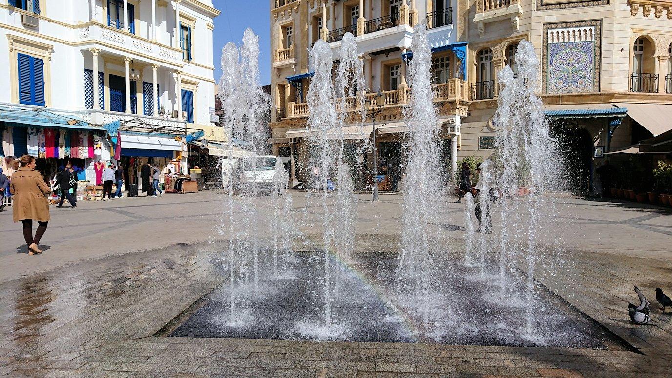 チュニジア:チュニスのメディナの観光を終了しホテルに戻る