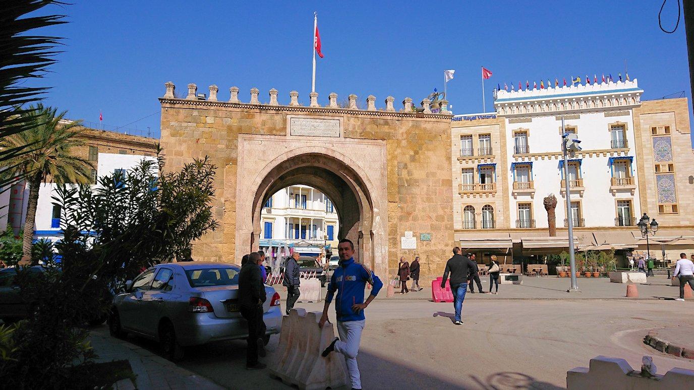 チュニジア:チュニスのメディナの観光を終了しホテルに戻る5