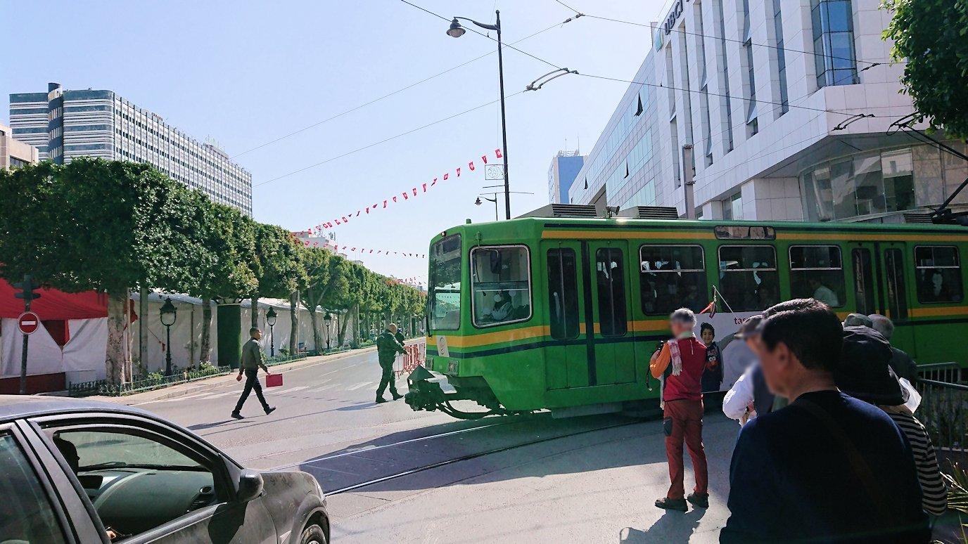 チュニジア:チュニスのメディナの観光を終了しホテルに戻る8