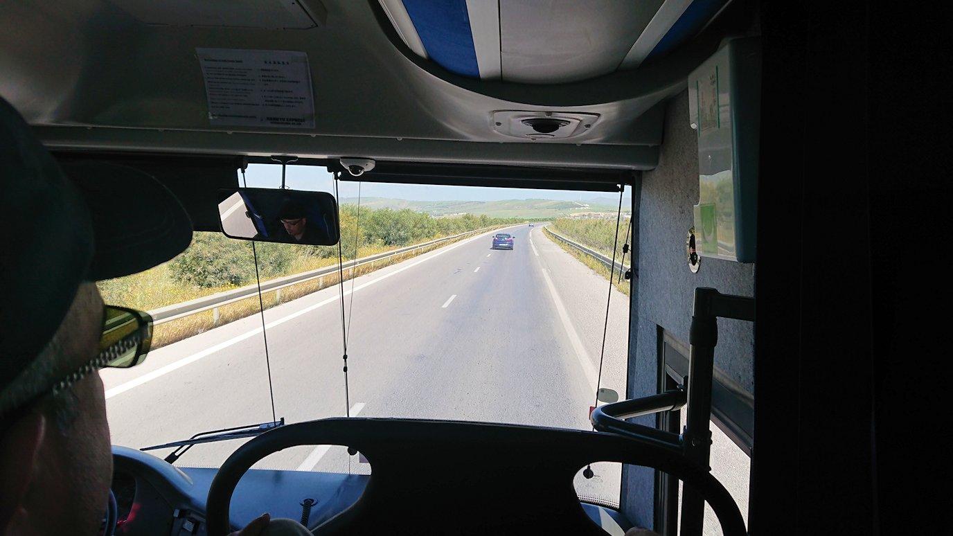 チュニジア:チュニスからイシュケウル国立公園へバスで移動する7