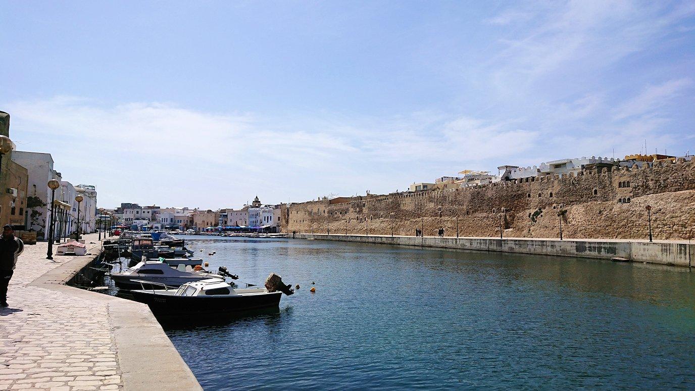 チュニジア:ビゼルトの街のカスバで9