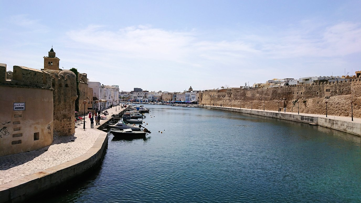 チュニジア:ビゼルトの街のカスバで2